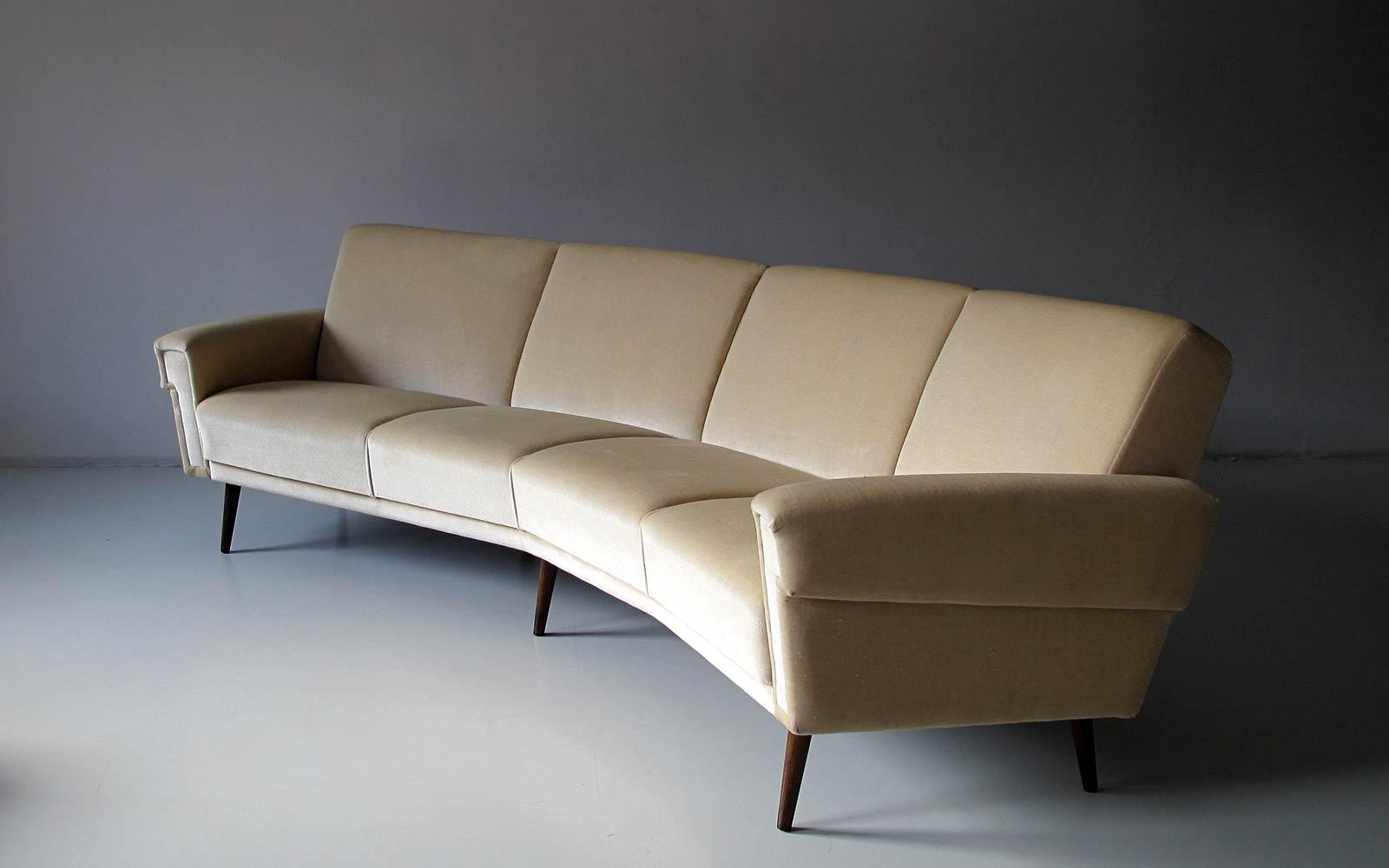 FOUND. by Markus. 60s-banana-sofa